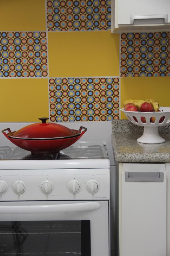 Pegar azulejo jpg crest fachadas la imagen se est for Pegatinas baldosas cocina